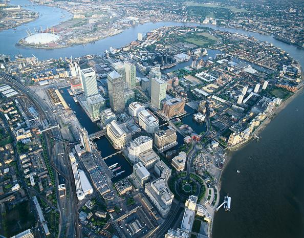 Urban Skyline「Canary Wharf  Docklands area. Aerial view. London  United Kingdom.」:写真・画像(0)[壁紙.com]
