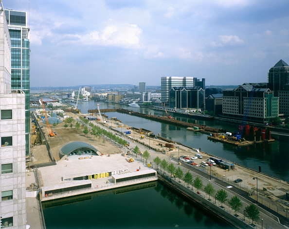 18-19 Years「Canary Wharf canals  England  UK.」:写真・画像(16)[壁紙.com]