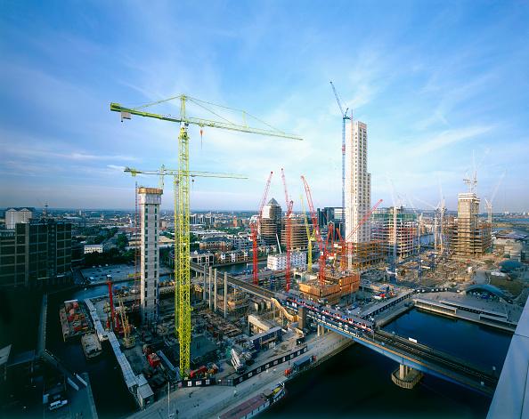 18-19 Years「Canary Wharf under construction  England  UK.」:写真・画像(19)[壁紙.com]