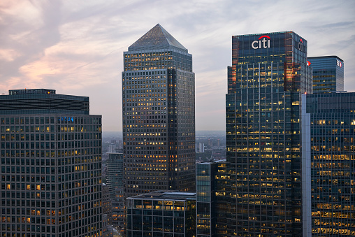 Finance and Economy「Canary Wharf at Dusk.」:スマホ壁紙(8)