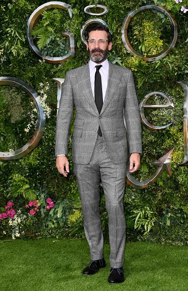 "Checked Suit「""Good Omens"" Amazon Original Global Premiere - Red Carpet Arrivals」:写真・画像(18)[壁紙.com]"