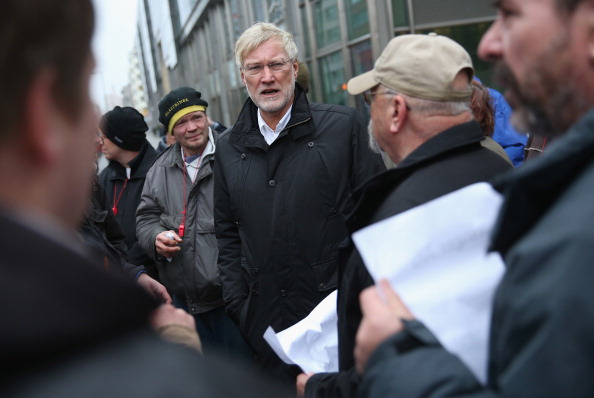 Corporate Business「Axel Springer Printing Press Workers Protest Wage Policy」:写真・画像(10)[壁紙.com]