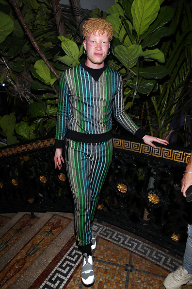 Astrid Stawiarz「What Goes Around Comes Around 25th Anniversary Celebration At The Versace Mansion With a Retrospective Tribute To Gianni Versace」:写真・画像(9)[壁紙.com]