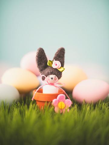 イースター「Cute Easter still life with bunny and eggs in grass」:スマホ壁紙(7)