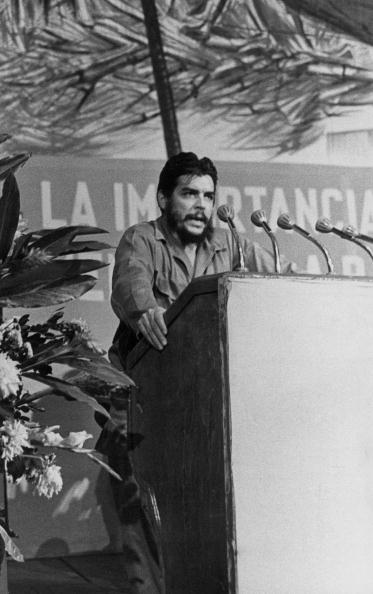 Public Speaker「Ernesto Rafael Guevara de la Serna also known as Che Guevara giving a speech, Photograph, August 1964」:写真・画像(11)[壁紙.com]