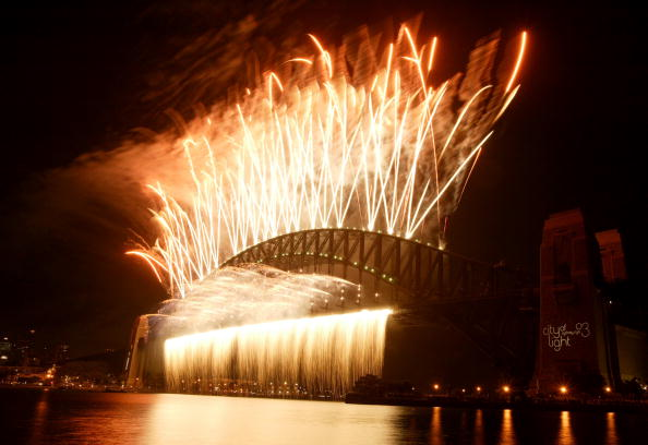 Cameron Spencer「Sydney Welcomes New Year With Fireworks」:写真・画像(11)[壁紙.com]