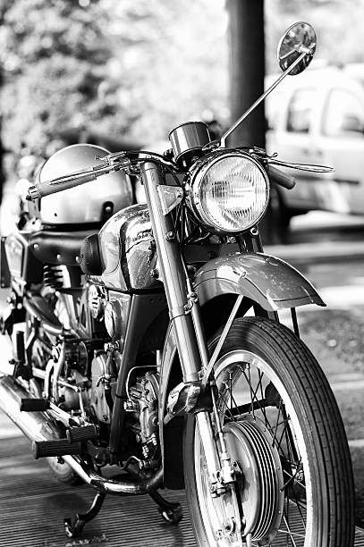 old Motorcycle. Black and WHite:スマホ壁紙(壁紙.com)