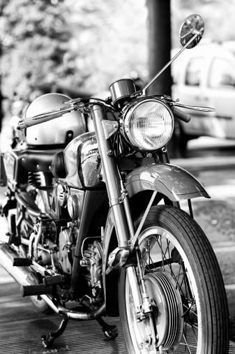 Motorcycle「旧モーターサイクルます。ブラックとホワイト」:スマホ壁紙(1)