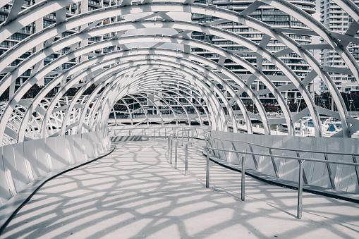 Melbourne Docklands「webb bridge , melbourne , australia with shadow cast on the ground」:スマホ壁紙(1)