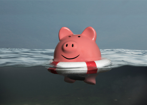 Miami Beach「Piggybank floating with lifebelt」:スマホ壁紙(13)