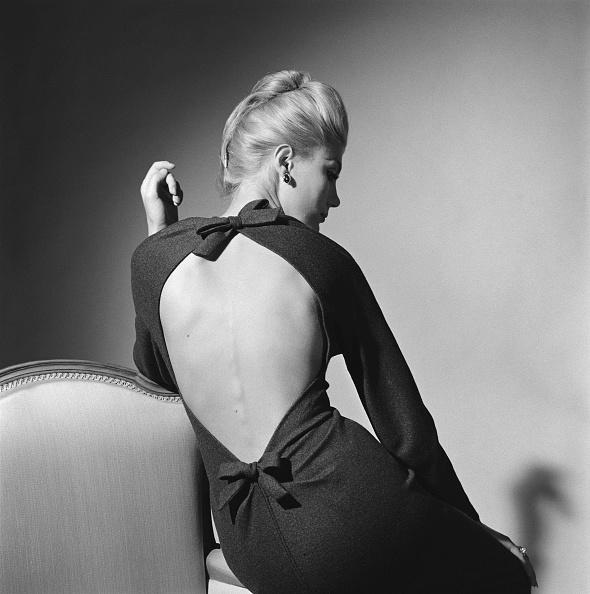 Backless「Elegant Lady」:写真・画像(9)[壁紙.com]