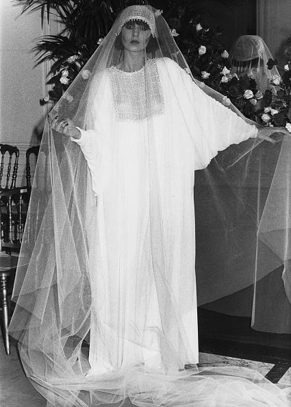 1970-1979「Dior Wedding Dress」:写真・画像(8)[壁紙.com]