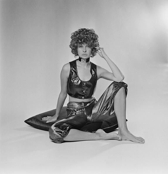 Curly Hair「Velvet Knickerbockers」:写真・画像(4)[壁紙.com]