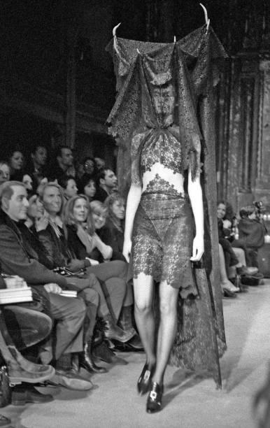 Alexander McQueen's New York Debut:ニュース(壁紙.com)