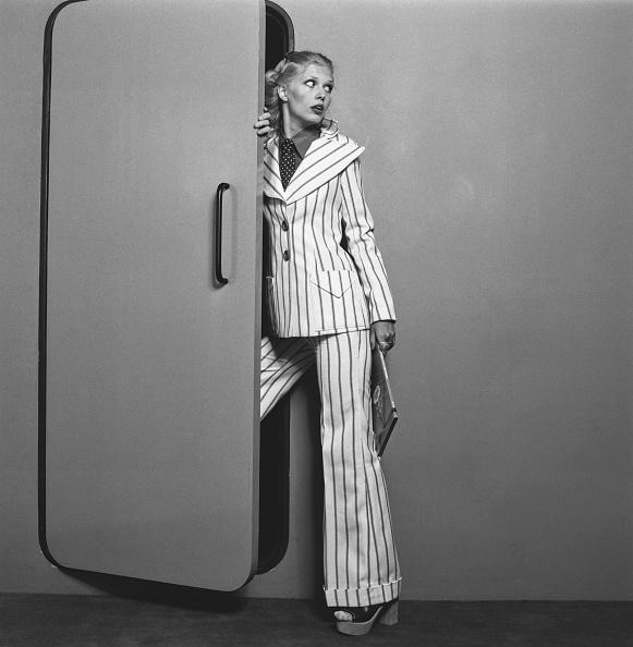 Human Role「Striped Trouser Suit」:写真・画像(9)[壁紙.com]