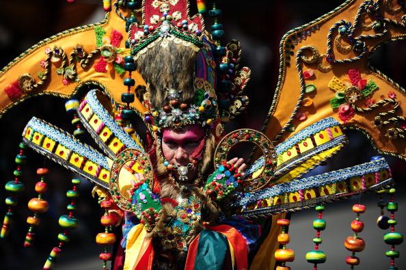 Octopus「Revellers Gather For Jember Fashion Carnival」:写真・画像(4)[壁紙.com]