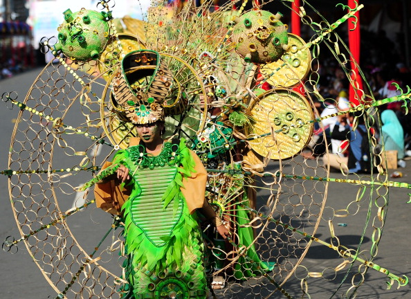 Octopus「Revellers Gather For Jember Fashion Carnival」:写真・画像(9)[壁紙.com]