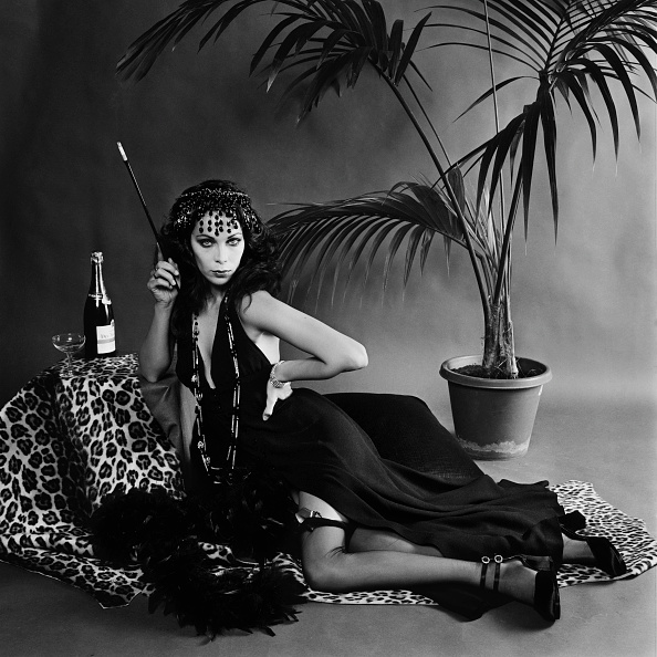 Halter Top「70s Exoticism」:写真・画像(5)[壁紙.com]