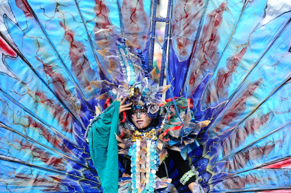 Octopus「Revellers Gather For Jember Fashion Carnival」:写真・画像(1)[壁紙.com]