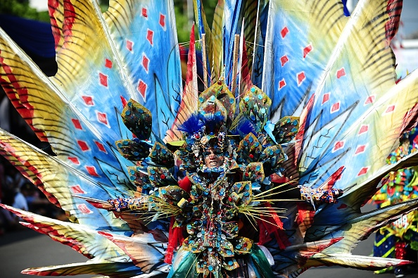 Octopus「Revellers Gather For Jember Fashion Carnival」:写真・画像(3)[壁紙.com]