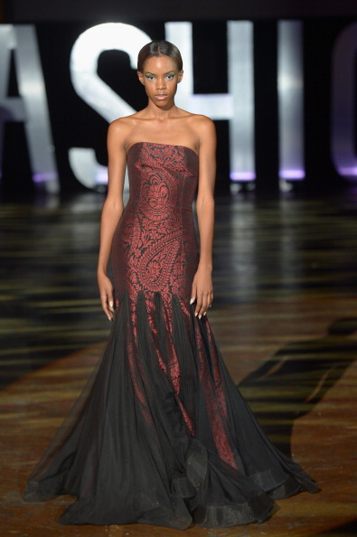 Two-Toned Dress「3rd Annual United Colors Of Fashion Gala」:写真・画像(16)[壁紙.com]