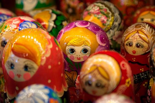 Gift Shop「Matryoshka dolls for sale at souvenir shop」:スマホ壁紙(3)