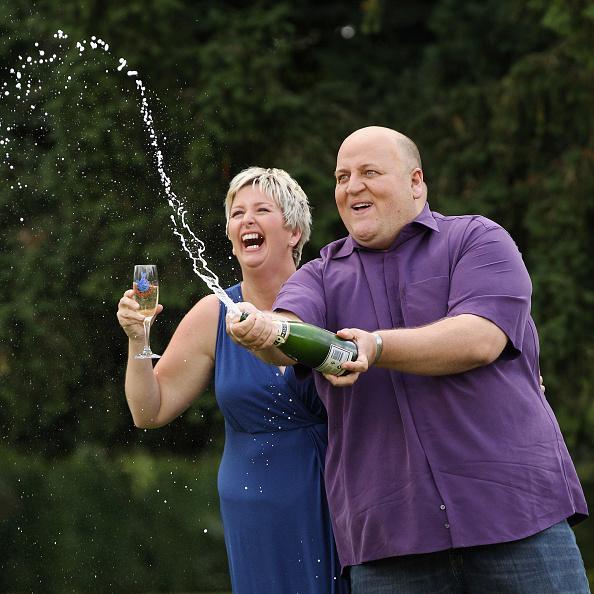 Winning「Suffolk Couple Win £148m In EuroMillions Draw」:写真・画像(16)[壁紙.com]