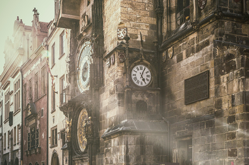 Prague「In Prague's Old Town Square, the beautiful astronomical clock, called Pražský orloj in Czech, installed in 1410 on the Southern wall of the Old Town Hall.」:スマホ壁紙(17)