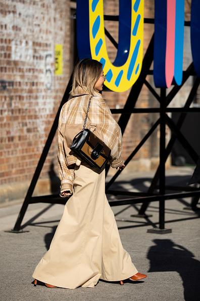 Louis Vuitton Purse「Street Style - Mercedes-Benz Fashion Week Australia 2019」:写真・画像(6)[壁紙.com]