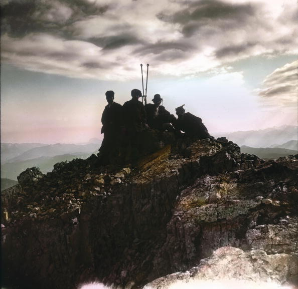 Dachstein Mountains「Dachstein: on the summit. Salzkammergut. Hand-colored lantern slide. Around 1900.」:写真・画像(16)[壁紙.com]