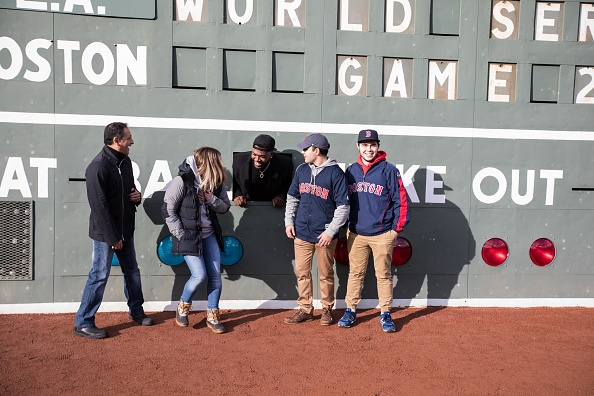 David Ortiz「Mastercard And David Ortiz Deliver Red Sox Fans A Priceless Surprise」:写真・画像(4)[壁紙.com]