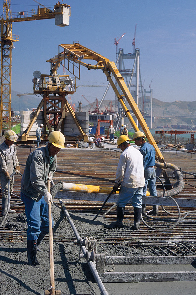 静物「In Situ concreting on Link Viaduct. Lantau Crossing. Tsing Ma suspension bridge. China. Constructed to link Hong Kong with Chek Lap Kok airport.」:写真・画像(17)[壁紙.com]