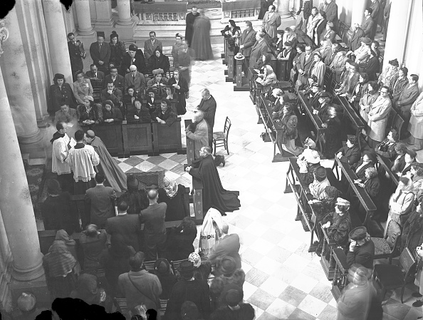 Religious Mass「Religious mass at the Vatican for a Mexican pilgrimage 1949」:写真・画像(8)[壁紙.com]