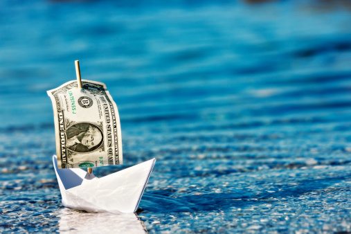 Paper Craft「Floating a company? Paper boat with dollar bill sail」:スマホ壁紙(11)