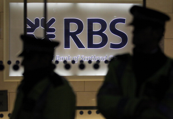 Finance and Economy「The Right To Work Campaigners Demonstrate Outside Of Royal Bank Of Scotland Offices」:写真・画像(14)[壁紙.com]
