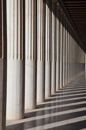 太陽の光「columns in the Stoa of Attalos」:スマホ壁紙(8)