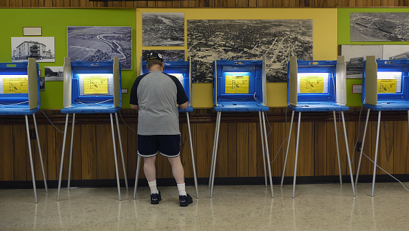 Wisconsin「Wisconsin Voters Head To The Polls In Recall Election For Governorship」:写真・画像(8)[壁紙.com]