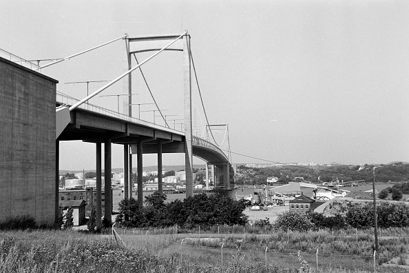 Grass「Alvsborg Bridge From Gothenburg」:写真・画像(13)[壁紙.com]