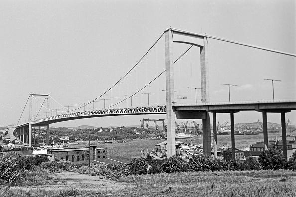 Grass Family「Alvsborg Bridge From Gothenburg」:写真・画像(1)[壁紙.com]