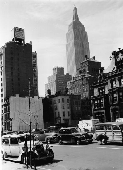 1940-1949「39th Street With Empire State Building 」:写真・画像(16)[壁紙.com]