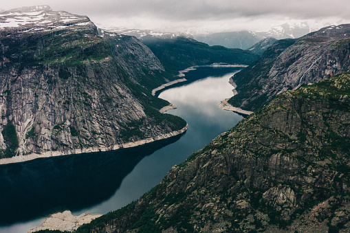 湖「View from Trolltunga」:スマホ壁紙(14)
