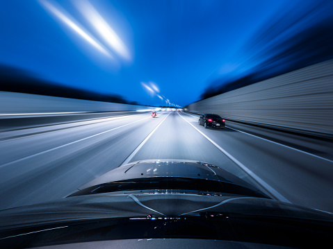 アクションショット「View from the top of a car driving down a motorway at speed」:スマホ壁紙(11)
