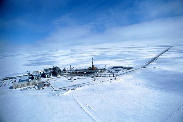 Blank「View from the air of Edicot Oil well, British Petroleum, Alaska, USA」:写真・画像(12)[壁紙.com]