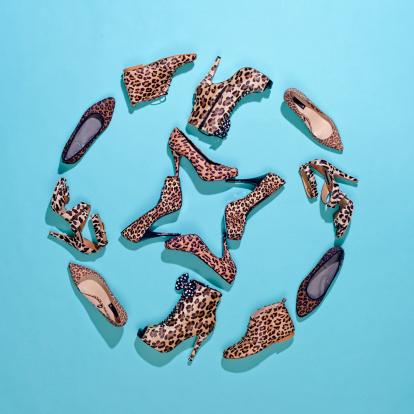 Leopard pattern「Various leopard print shoes arranged in a pattern」:スマホ壁紙(1)