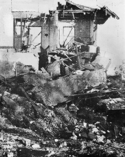 Bomb Damage「Darwin Bombing」:写真・画像(5)[壁紙.com]