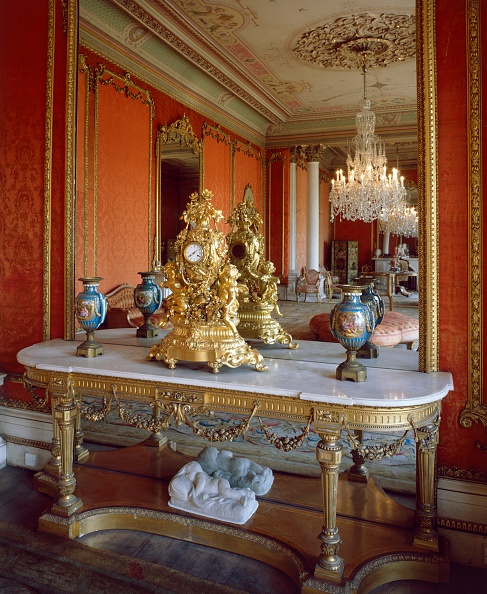 Ceiling「The drawing room, Brodsworth Hall, South Yorkshire, c2000s(?)」:写真・画像(3)[壁紙.com]