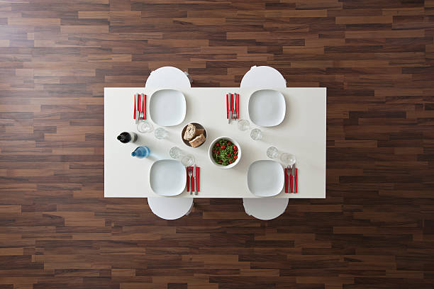 A table with place settings, wine, water, salad and bread, no people, overhead view:スマホ壁紙(壁紙.com)