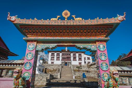 Thyangboche Monastery「Ornate gate to Buddhist monastery Tengboche Khumbu Himalayas Nepal」:スマホ壁紙(1)