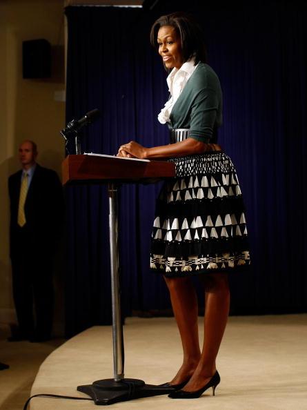One Person「Michelle Obama Makes Remarks On Health Insurance Reform」:写真・画像(8)[壁紙.com]
