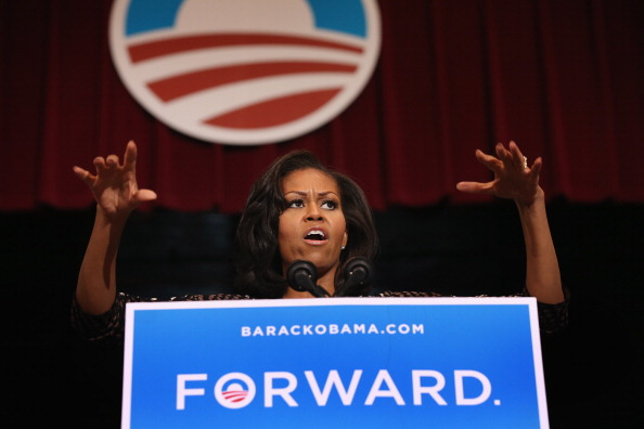 US First Lady「Michelle Obama Addresses Campaign Supporters In Wisconsin」:写真・画像(17)[壁紙.com]